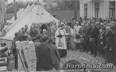 Асвячэнне першага каналізацыйнага калодзежа ў Гродне, 1935 год