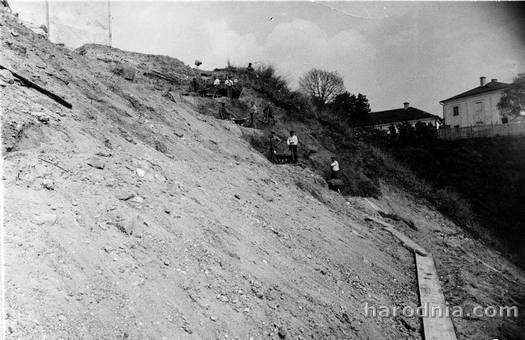 Ремонт склона горы Старого замка в Гродно. Вторая половина 20-х гг.