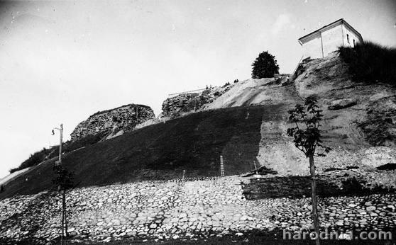 Ремонт склона горы Старого замка в Гродно. Вторая половина 20-х г.г.